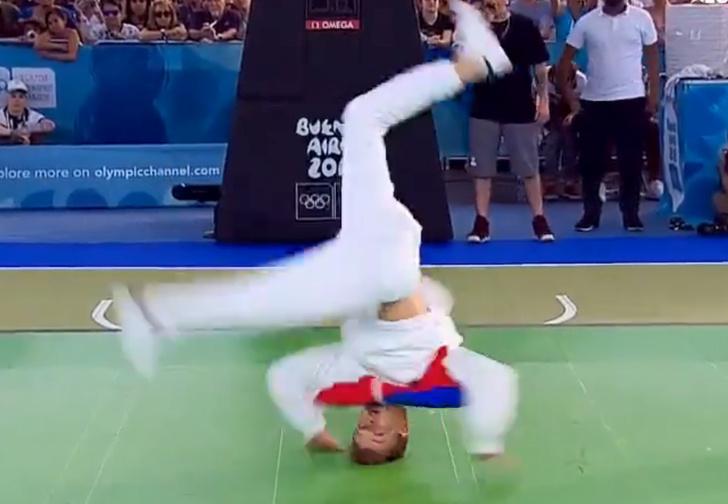 Фото №1 - Россиянин стал олимпийским чемпионом по брейкдансу (видео прилагается)