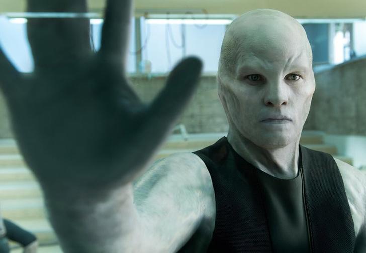 Фото №1 - Трейлер фантастического фильма «Титан» от Netflix о непредсказуемости генной инженерии