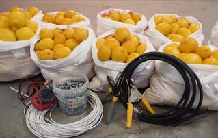 Мужики попробовали завести автомобиль от 1000 лимонов (видео)