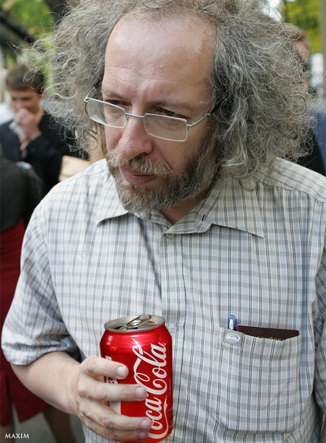 Алексей Венедиктов с банкой Coca-Cola