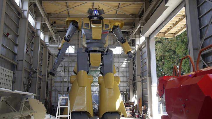 Фото №1 - Как японец строит самого большого человекоподобного робота (видео)