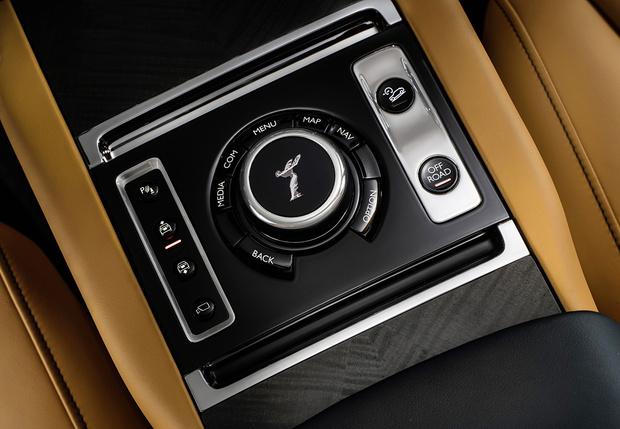 Фото №4 - Просто царь: Rolls-Royce выкатил первый в своей дивной истории внедорожник