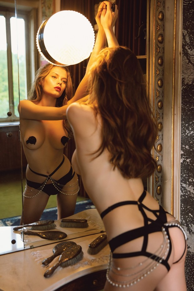 Фото №1 - Как одеть девушку в крутое белье: один, но дельный, способ от Incanto