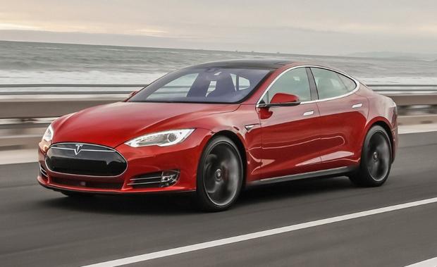 Фото №2 - Хакеры смогли взломать автомобиль Tesla меньше чем за две секунды