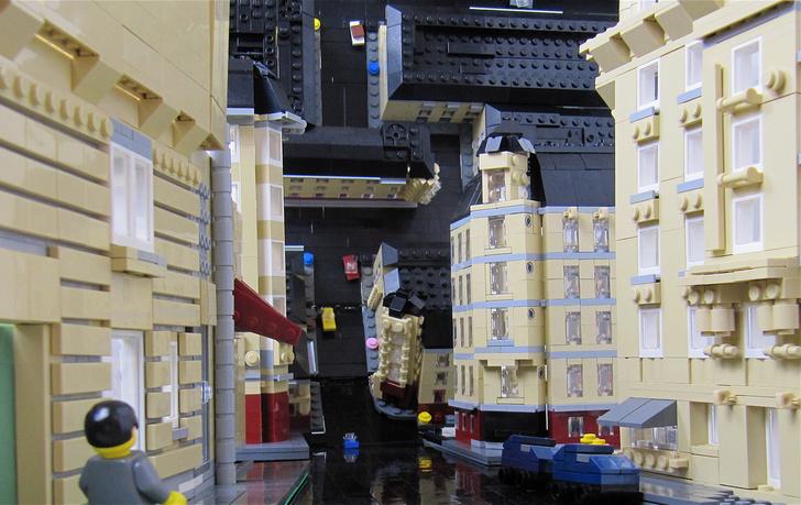 """Начало"" из LEGO"