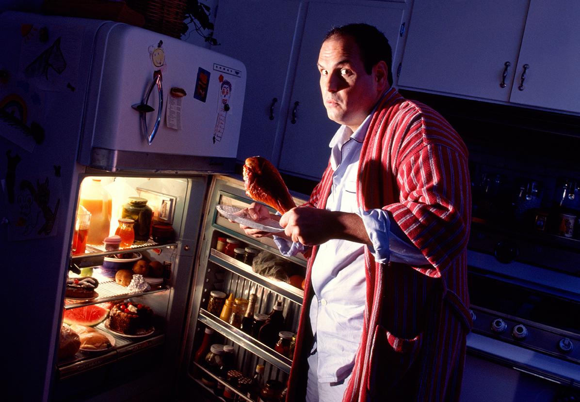 фарфоровой звон, мужчина и холодильник картинки этой дате