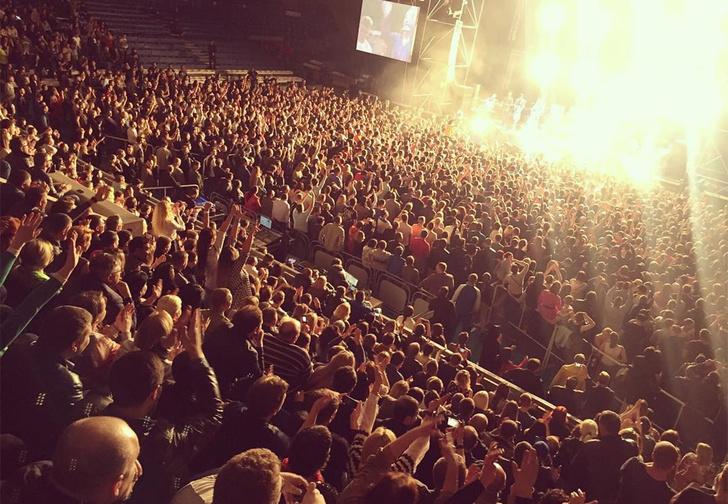 Легко отделался: Сергей Шнуров заплатит 500 рублей за мат на концерте в Белгороде