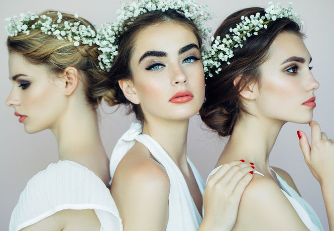 Мужчина женился на трех невестах одновременно, чтобы сэкономить на свадьбах!