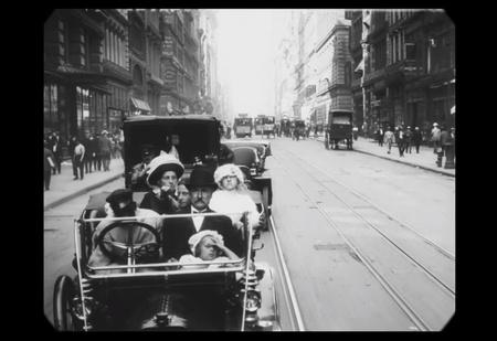 Фильм 1911 года замедлили, и теперь люди движутся с НОРМАЛЬНОЙ скоростью (и звук тоже добавили)