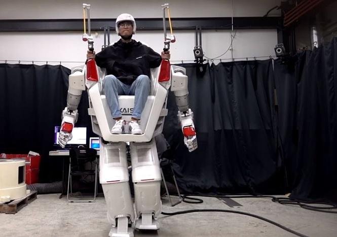 Вот он какой! Ездовой робот-гуманоид в действии! (Ошеломительное ВИДЕО)
