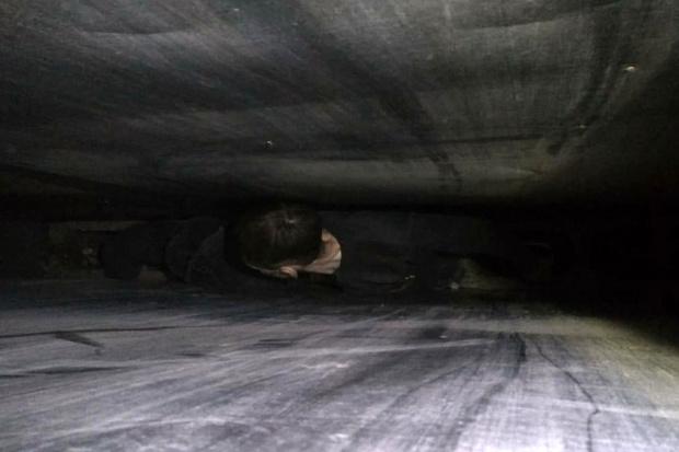 Фото №1 - Мужчина застрял в вентиляции и просидел в ней два дня