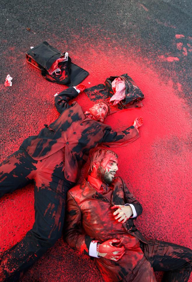 Фото №2 - Ненасильственное сопротивление: как правильно троллить власть, подтачивая ее основание