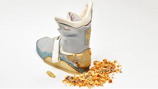 Одну кроссовку из «Назад в будущее — 2» продали за 90 тысяч долларов