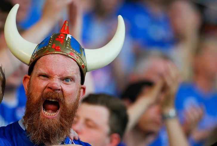 Фото №9 - Капитанская повязка России, исландские рога, штаны венгерского вратаря и другие важные вещи Евро-2016