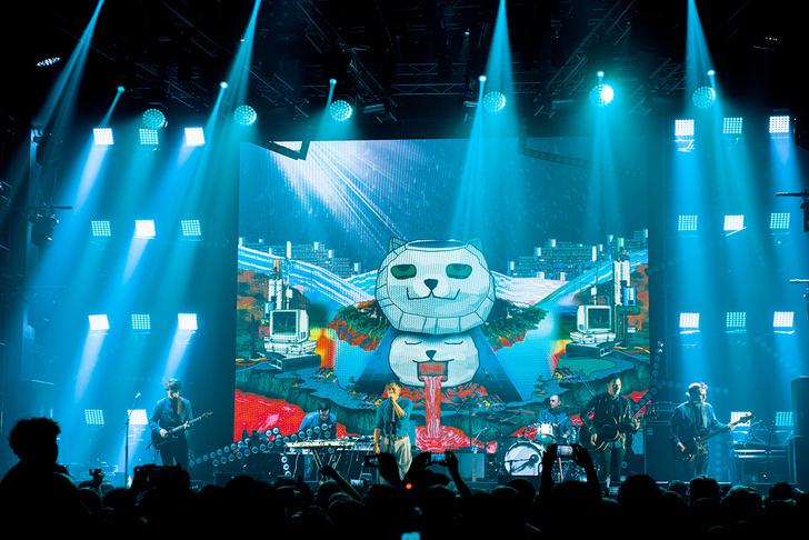 Фото №22 - «Мумик-Кон»: пиратская копия концерта группы «Мумий Тролль» утекла в сеть