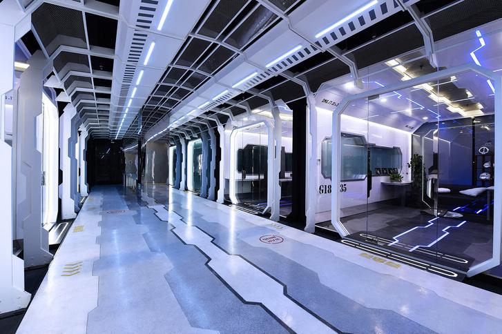 Фото №5 - Киберспортивная тренировочная база на космическом корабле (межгалактические фото)