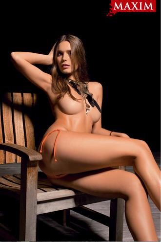 Фото №2 - Антипохмельная фотосессия №2. Юлия Югай из рекламы шампуня «Чистая линия»: «У меня четыре фишки: лицо, грудь, волосы и непосредственность»