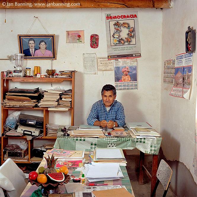 Фото №13 - Как выглядят кабинеты чиновников и служащих в разных странах