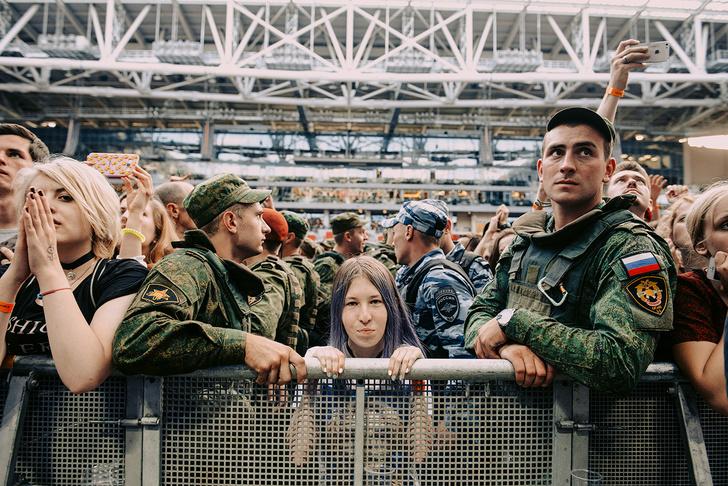 Фото №47 - Что творилось на недавних концертах Red Hot Chili Peppers, Ланы Дель Рей, «Сплина» и других рокеров