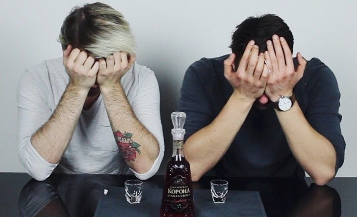 Фото №1 - Немцы пробуют русский алкоголь (видео)
