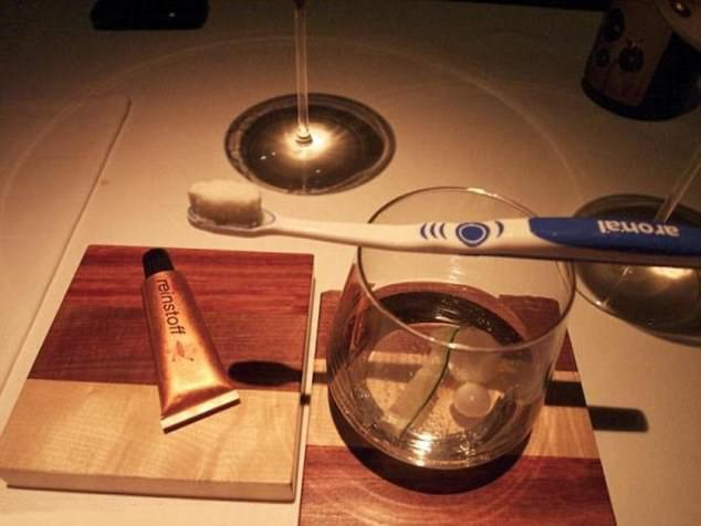 Фото №7 - 12 странных способов подачи напитков в барах