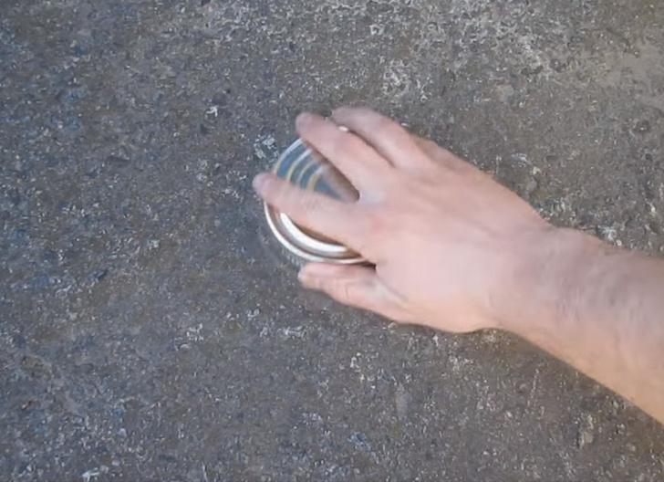 Фото №2 - Как открыть консервы без открывашки: 2 проверенных способа (видео)