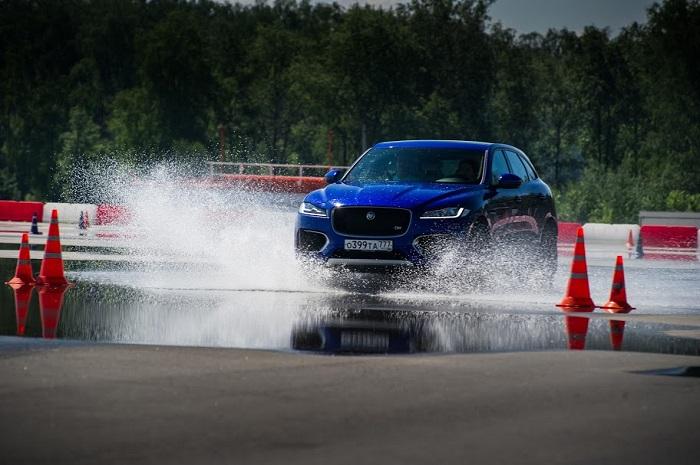 Фото №1 - Выходные с новым Jaguar