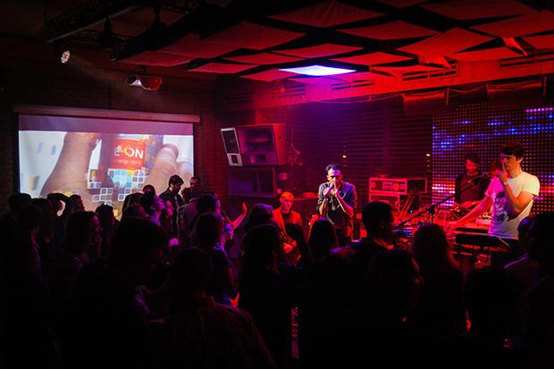 Клуб в москве с трансами видео эротическое шоу в тайланде