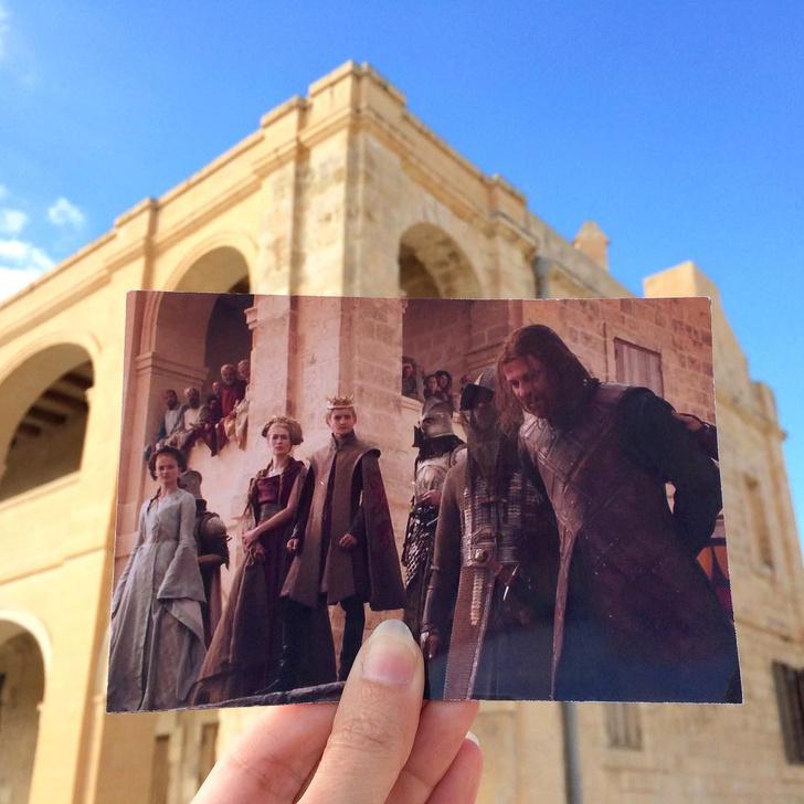 Фото №1 - Блогер ездит по местам киносъемок, совмещает кадры из фильмов с реальными локациями — и смотри, как круто получается!