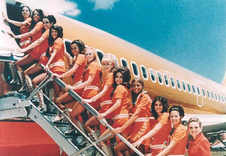 Фото №1 - Немцы придумали новые правила посадки в самолет, которые помогут избежать очередей