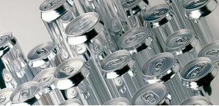 Минздрав предлагает увеличить возраст продажи алкоголя до 21 года, а Минпромторг — вернуть торговлю в ночное время
