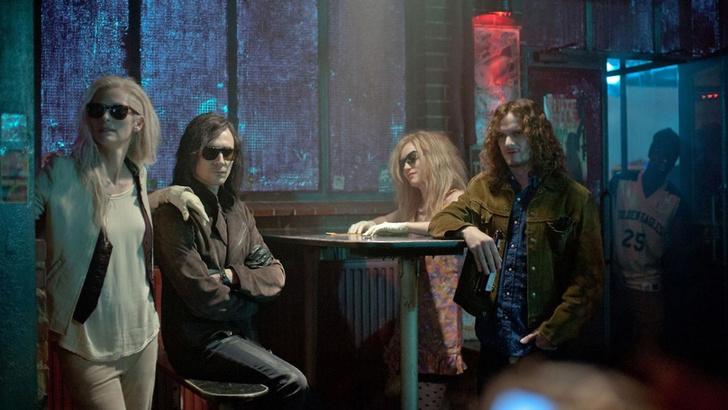 Фото №6 - 5 причин не становиться вампиром после просмотра нового фильма «Выживут только любовники»