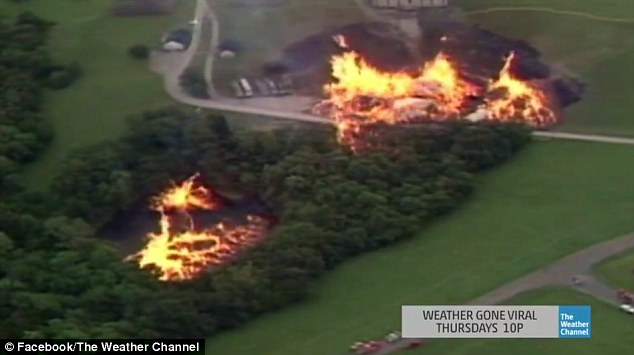 Фото №1 - 3,5 миллиона литров бурбона вылились в озеро! Затем туда ударила молния и подожгла его! И тут налетел торнадо!