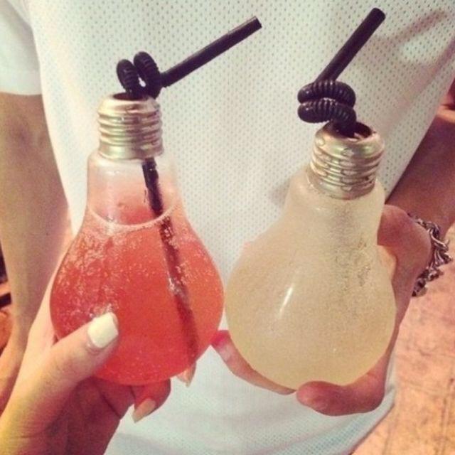 Фото №5 - 12 странных способов подачи напитков в барах