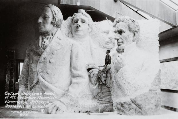 Фото №1 - История одной фотографии: прототип горы Рашмор, 1941 год