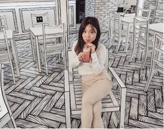 Корейское кафе, которое выглядит как карандашный рисунок (видео)