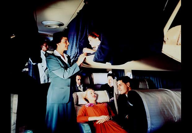 Фото №1 - 16 фотографий, доказывающих, что 50 лет назад летать на самолетах было в пять раз удобнее