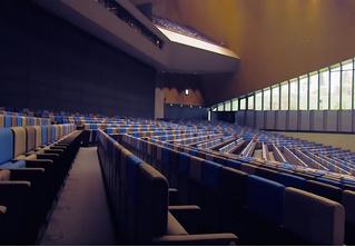 Зрительный зал из будущего. И он уже действует