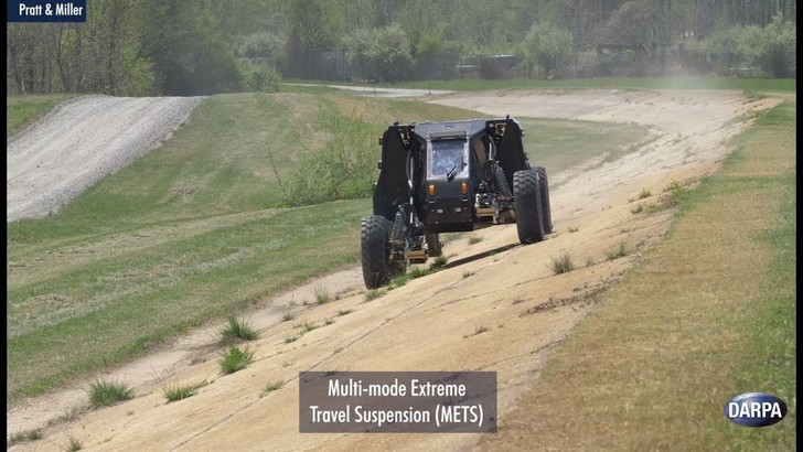 Фото №1 - Министерство обороны США опубликовало рассказ о новейших военных автомобилях (ВИДЕО)