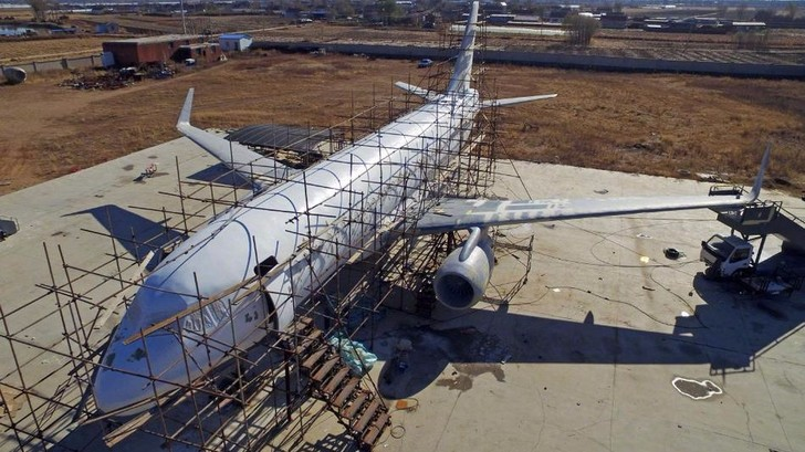 Фото №3 - Китаец построил полноразмерную картонную копию Airbus A-320 (фото)