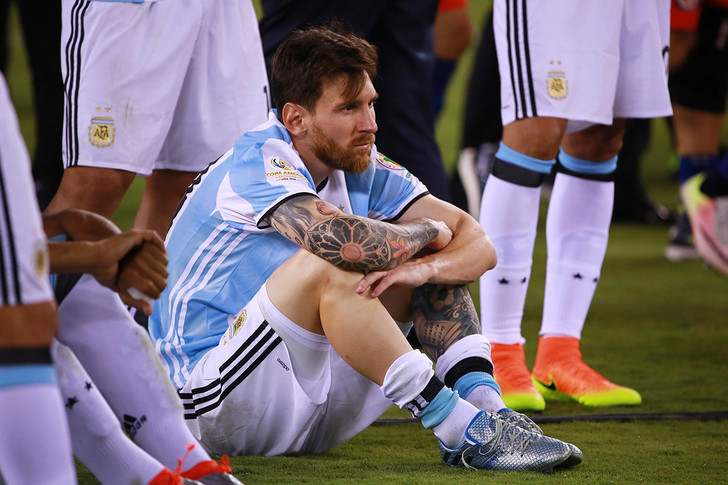 Фото №2 - Прощальный аккорд Месси и триумф сборной Чили: чем запомнился прошедший Кубок Америки по футболу