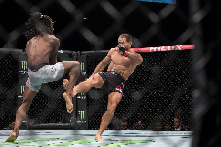 Фото №1 - Победы и рекорды первого российского турнира UFC