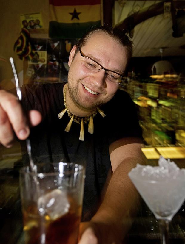 Фото №2 - Профессиональный бармен отвечает на наши глупые вопросы