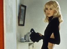 25 фото Мирей Дарк— той самой актрисы с декольте на спине из «Высокого блондина в черном ботинке»