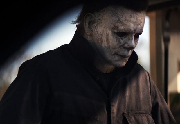 Фото №1 - Ликуй, любитель кровавого кутежа! Первый трейлер продолжения легендарного «Хэллоуина»!