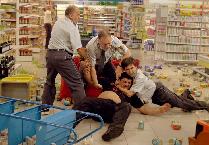 Фото №1 - 16 бесчестных трюков продавцов, работодателей, производителей и других хитрых людей