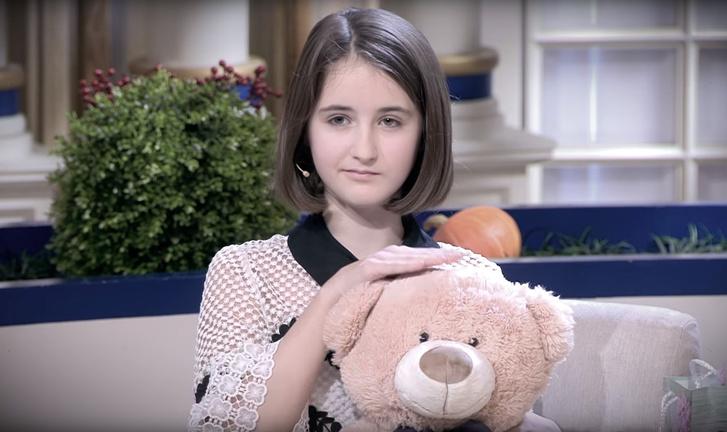 Фото №1 - 12-летняя девочка развернула кампанию в Интернете после того, как ее нарочно демонизировали на шоу «Давай поженимся»