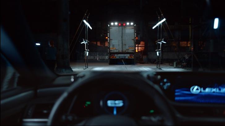 Фото №5 - Искусственный интеллект создал захватывющий сюжет для видео Lexus