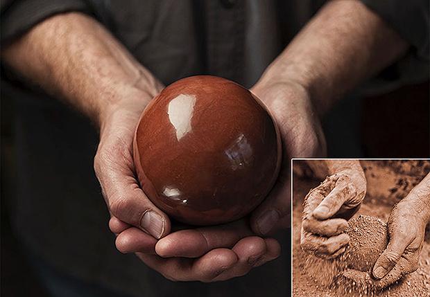 Фото №1 - Полированные до блеска шары из грязи— еще одно странное японское хобби