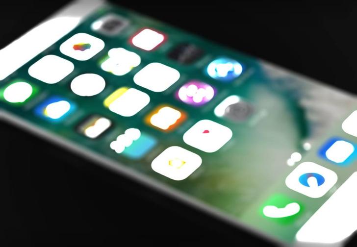 Фото №1 - В Интернет просочилось шпионское видео работающего iPhone 8